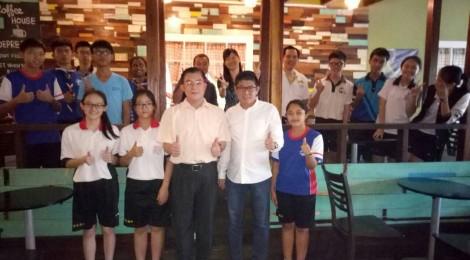 拿督蔡明富校友与学生共进午餐